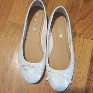 Size 10 Wide Ballet Shoes